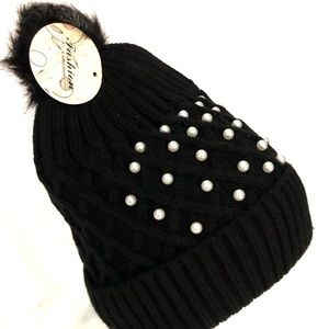 New! Black beanie with pearls